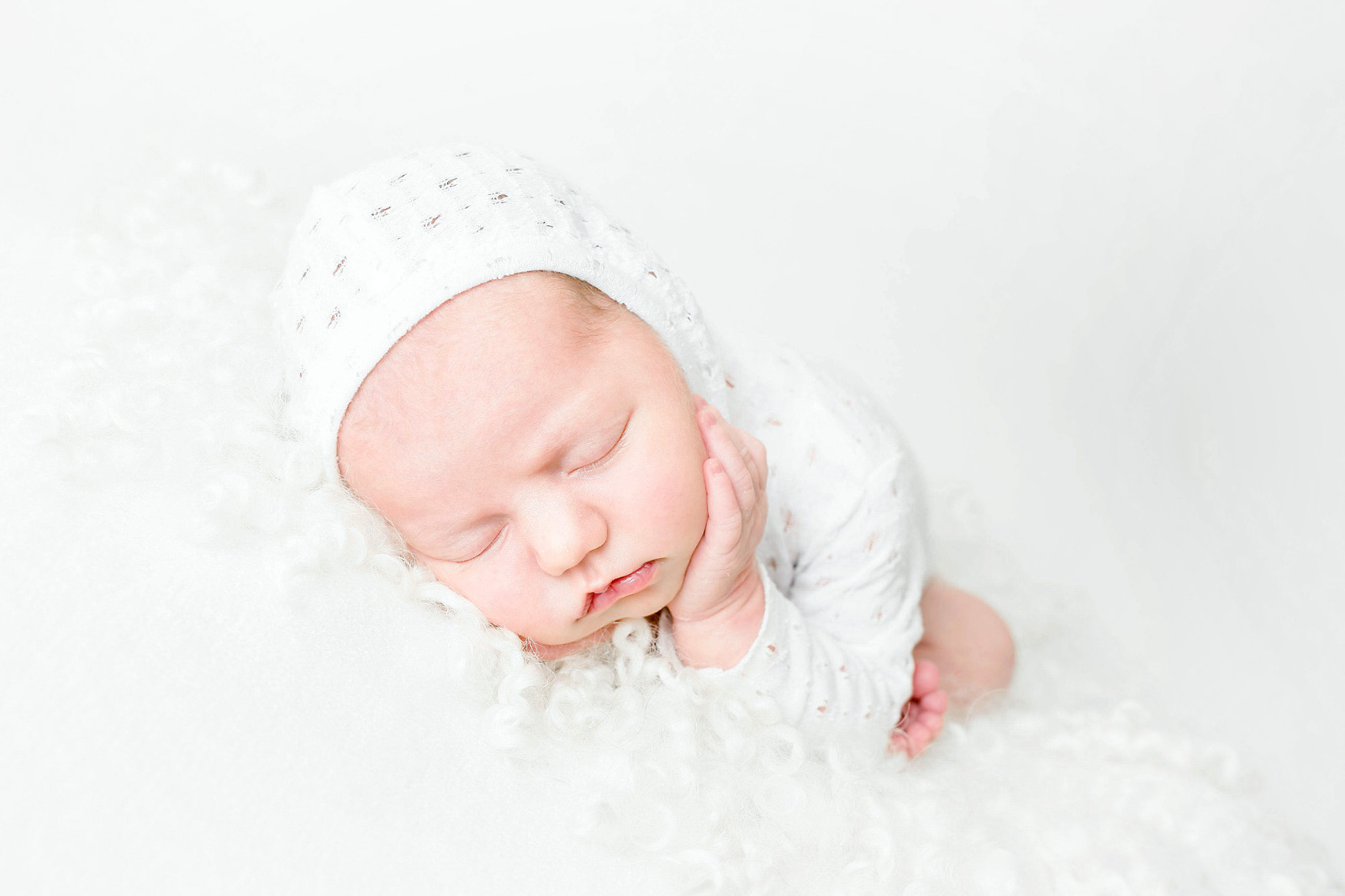 Orange-County-Newborn-Portfolio-Newborn-in-White-Simple-Newborn